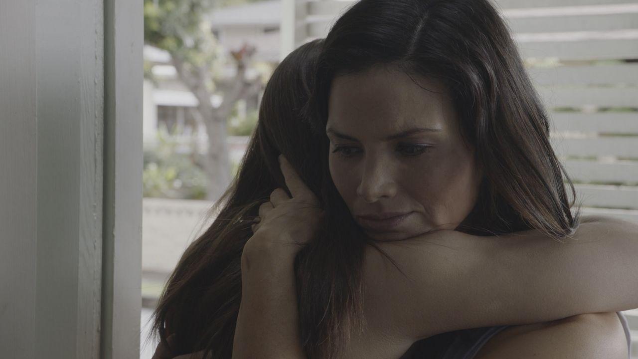 Olivia (Siena Agudong, l.); Quinn Liu (Katrina Law, r.) - Bildquelle: 2020 CBS Broadcasting, Inc. All Rights Reserved