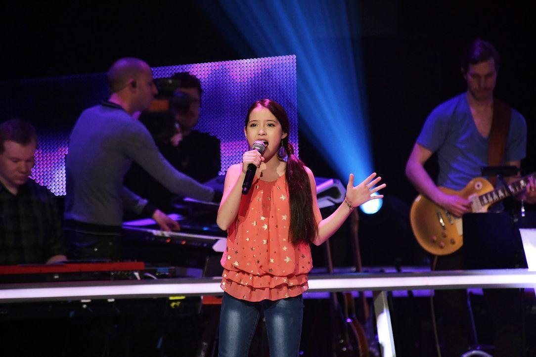 The-Voice-Kids-Stf03-Epi06-Auftritte-07-Alina-SAT1-Andre-Kowalski - Bildquelle: SAT.1/Andre Kowalski