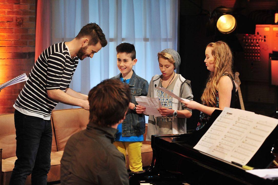 The-Voice-Kids-Stf02-Epi07-Vanessa-Joel-Leif-6-SAT1-Andre-Kowalski - Bildquelle: SAT.1/Andre Kowalski