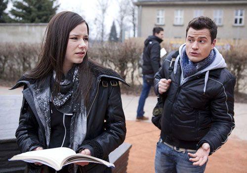 Luzi wirft Timo vor, immer noch in Sophie verleibt zu sein ... - Bildquelle: David Saretzki - Sat1