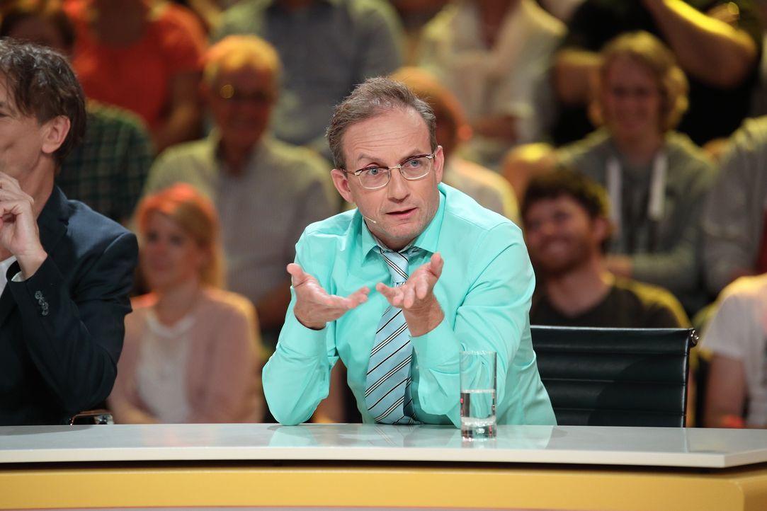 Hat Wigald Boning wirklich auf jede Frage eine Antwort? - Bildquelle: Frank Hempel SAT.1