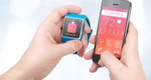 Ob mit Smartphone, Smartwatch oder direkt am Gerät: Die Messung der Herzfrequ...