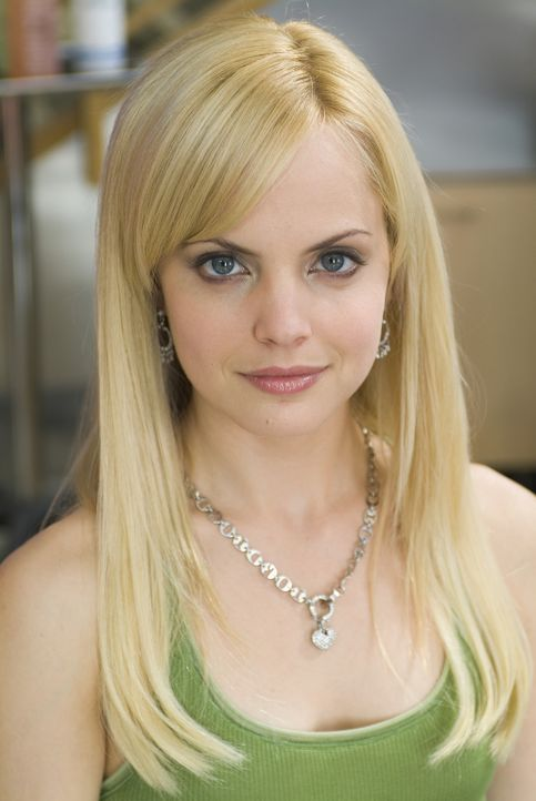 Auch Joanne (Mena Suvari) gehört bald zu den Stammkunden in Ginas Beauty Shop. - Bildquelle: 2005 METRO-GOLDWYN-MAYER PICTURES INC. ALL RIGHTS RESERVED.