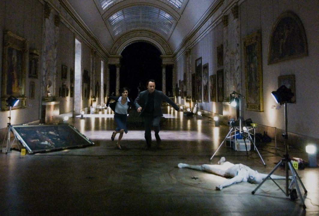 Jacques Saunière (Jean-Pierre Marielle, r.), Chefkurator des Louvre, wird Opfer eines brutalen Mordes. Noch ahnen seine Enkelin Sophie (Audrey Taut... - Bildquelle: Sony Pictures Television International. All Rights Reserved.