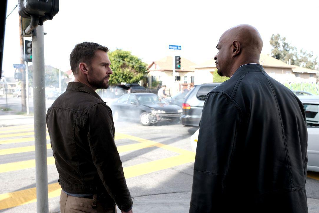 Wesley Cole (Seann William Scott, l.); Roger Murtaugh (Damon Wayans, r.) - Bildquelle: Ray Mickshaw 2019 Warner Bros. Entertainment Inc. All Rights Reserved.