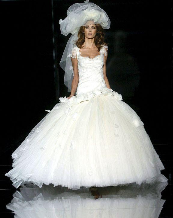 Hochzeitskleider-11-dpa - Bildquelle: dpa