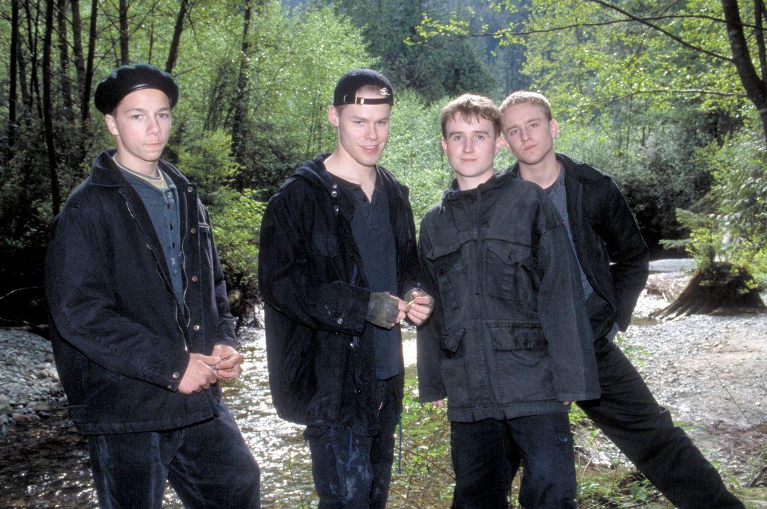 """Als Außenseiter ihrer Schule haben sie nichts zu lachen: (v.l.n.r.) die """"Trogs"""" Zach (Brent Glenen), Sean (Randy Harrison) und Kurt (Kristian Ayre)... - Bildquelle: Viacom Productions Inc."""
