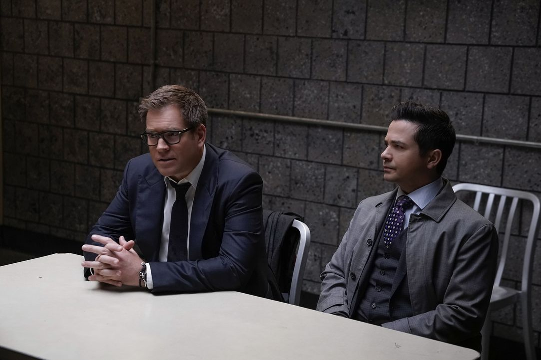 Dr. Jason Bull (Michael Weatherly, l.); Benny Colón (Freddy Rodriguez, r.) - Bildquelle: Patrick Harbron 2019 CBS Broadcasting, Inc. All Rights Reserved / Patrick Harbron