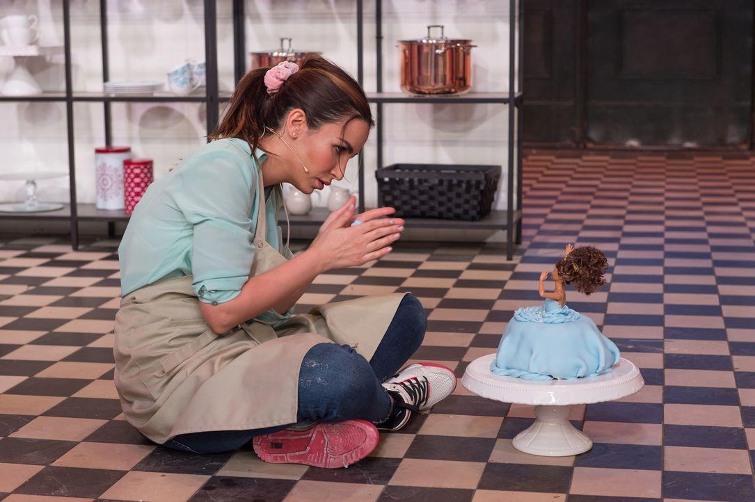 """Wer wird """"Deutschlands bester prominenter Hobbybäcker""""? Sila Sahin gibt alles, um diesen Titel zu ergattern ... - Bildquelle: Claudius Pflug SAT.1"""