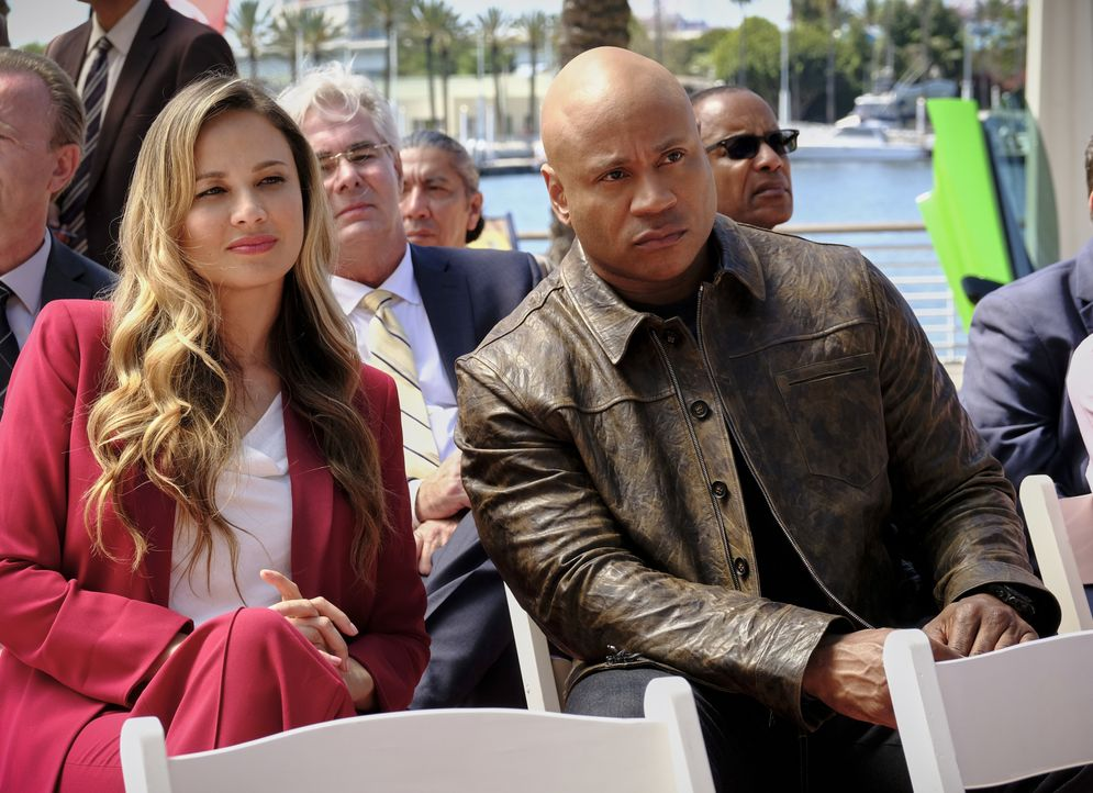 Katherine Casillas (Moon Bloodgood, l.); Sam Hanna (LL Cool J, r.) - Bildquelle: Trae Patton 2019 CBS Broadcasting, Inc. All Rights Reserved. / Trae Patton