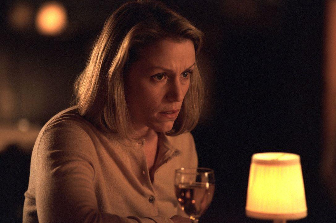 Michelle (Frances McDormand) hat für ihren Freund und Nachbarn stets ein offenes Ohr ... - Bildquelle: Warner Bros.