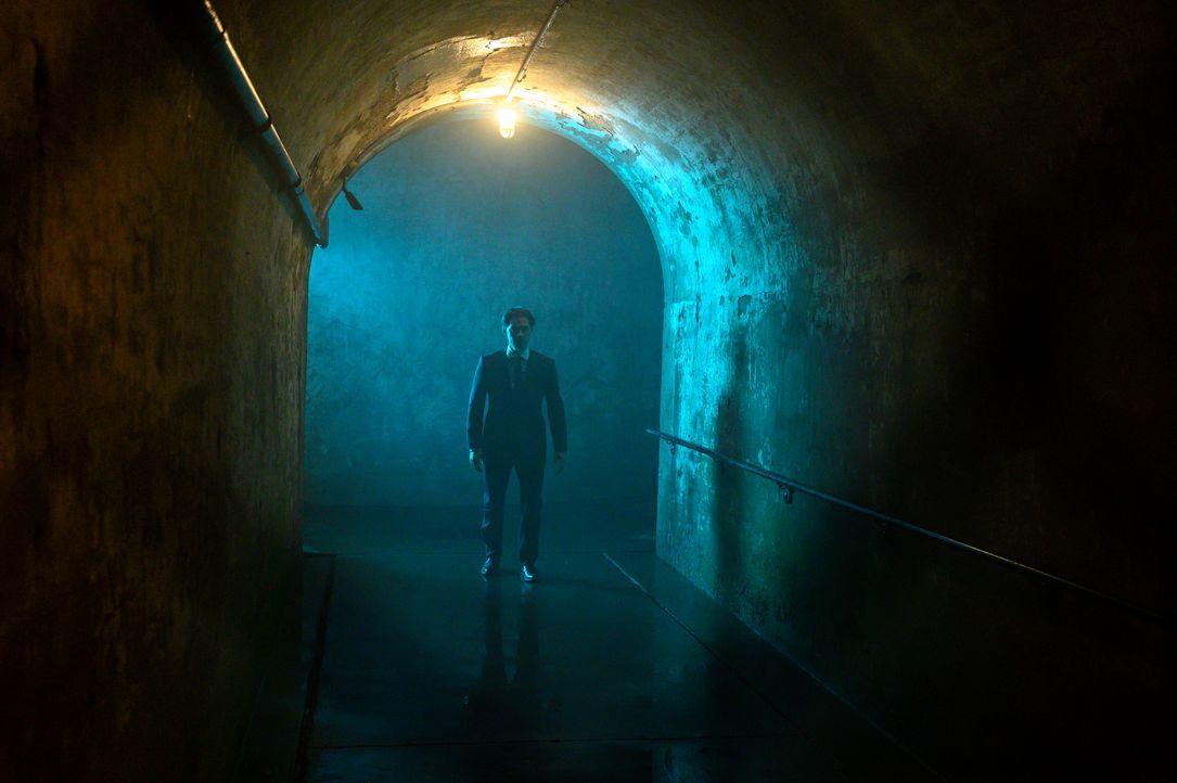 Malcolm Bright (Tom Payne) - Bildquelle: David Giesbrecht 2019 Warner Bros. Entertainment Inc. All Rights Reserved. / David Giesbrecht