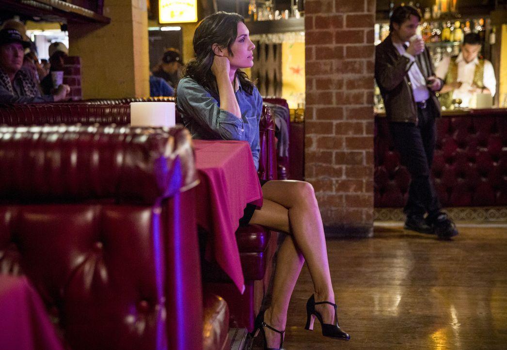 Ein neuer Fall wartet auf das Team - dabei muss Kensi (Daniela Ruah) als Tänzerin undercover ermitteln ... - Bildquelle: Erik Voake 2017 CBS Broadcasting, Inc. All Rights Reserved.