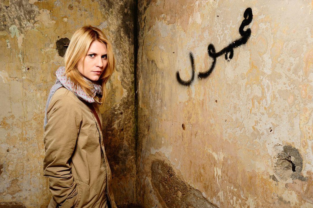 (1.Staffel) - Im Irak erfährt Carrie Mathison (Claire Danes), dass ein amerikanischer Kriegsgefangener von al-Qaida bekehrt wurde. Acht Jahre spät... - Bildquelle: 20th Century Fox International Television