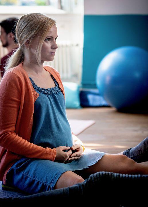 Wird Marie (Jennifer Ulrich) durch eine Schwangerschaft wirklich glücklich? - Bildquelle: Daniel Schneider SAT.1/Daniel Schneider