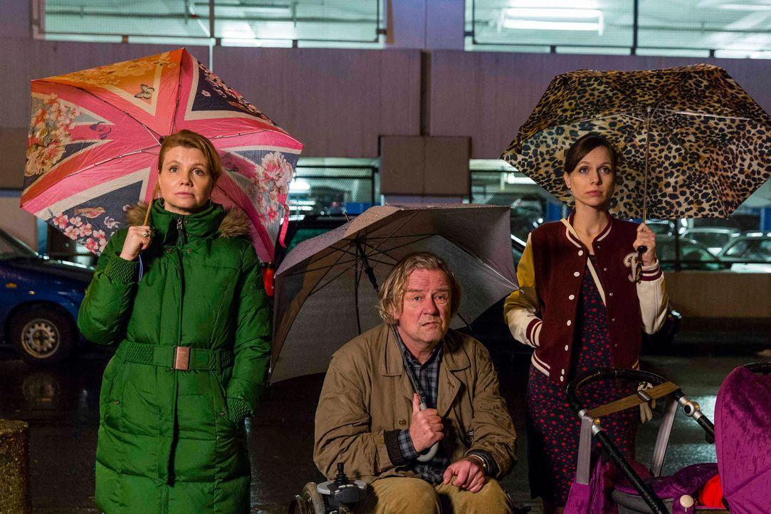 Wie wird es mit Danni (Annette Frier, l.), Kurt (Axel Siefer, M.) und Bea (Nadja Becker, r.) weitergehen? - Bildquelle: Frank Dicks SAT.1
