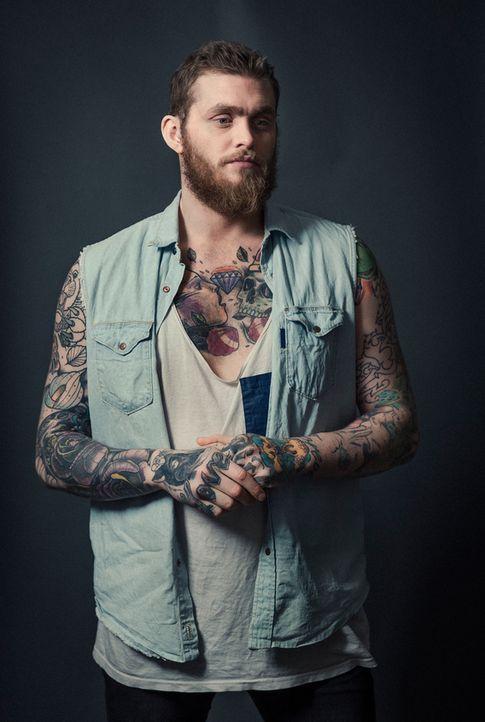 18_TattooTypBrust - Bildquelle: Portra