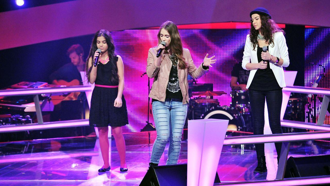 The-Voice-Kids-Stf02-Epi05-Melissa-Naomi-Ilayda-9-SAT1-Andre-Kowalski - Bildquelle: SAT.1/Andre Kowalski