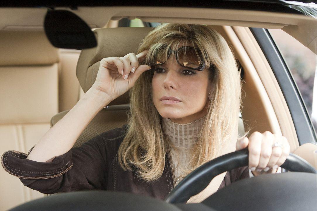 Als Leigh Anne Tuohy (Sandra Bullock) durch einen Zufall auf den jungen schwarzen Michael Oher trifft, sieht sie ihre große Chance, einem vom Leben... - Bildquelle: Warner Brothers
