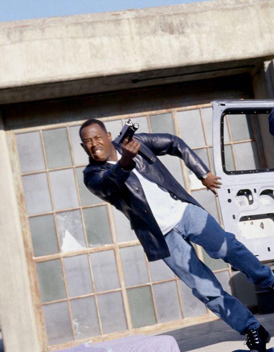 Als Hank und Earl (Martin Lawrence) ins Visier mörderischer Gangster geraten, müssen sie gemeinsam um ihr Leben kämpfen - obwohl sie sich doch eigen... - Bildquelle: 2004 Sony Pictures Television International. All Rights Reserved.