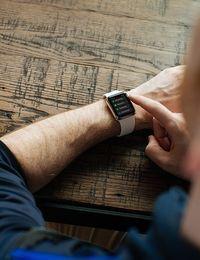 smartwatch-handgelenk