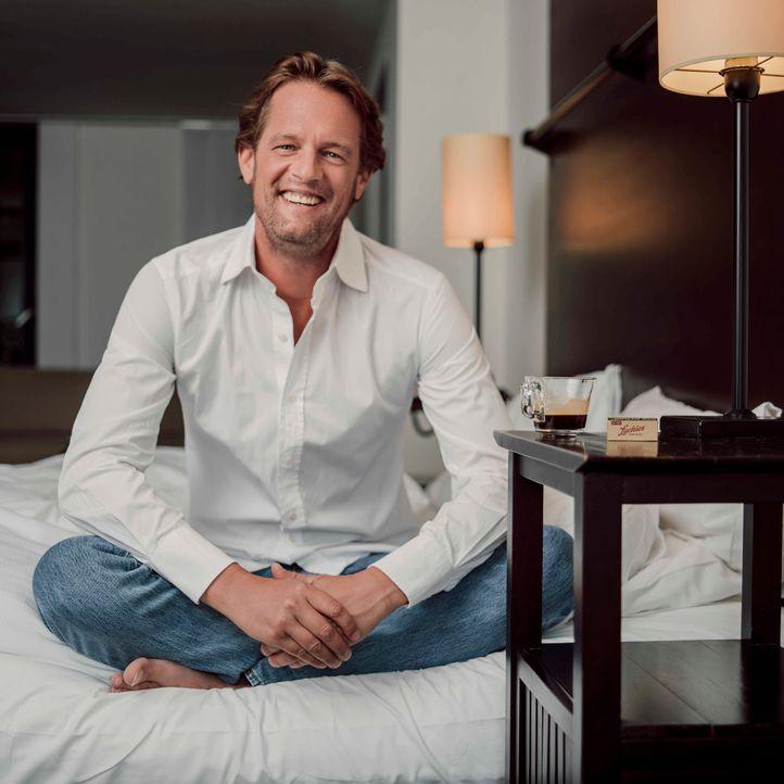 Steffen von der Beeck Lächeln - Bildquelle: SAT.1/Arne Weychardt
