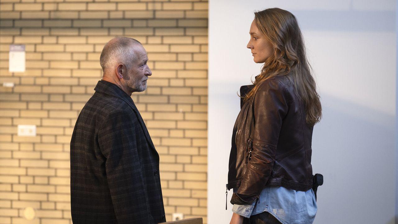 Robert Schmidt (Gunnar Helm, l.); Meike (Lara Marian, r.) - Bildquelle: Christine Schröder SAT.1 / Christine Schröder