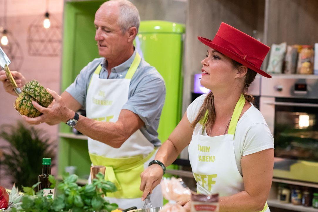Die Familien Feierabend, Soumare und Pentrelli stellen heute ihre Kochkünste... - Bildquelle: Stefanie Chareonbood SAT.1 Schweiz / Stefanie Chareonbood