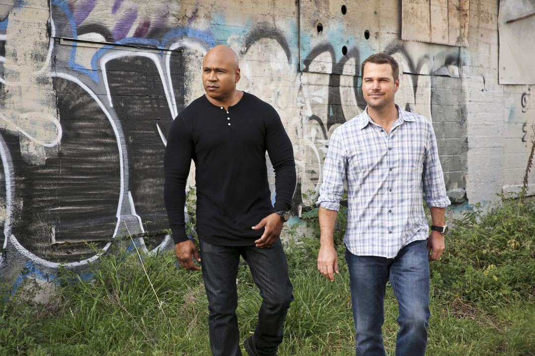 Ein neuer Fall wartet auf Callen (Chris O'Donnell, r.) und Sam (LL Cool J, l.) ... - Bildquelle: Cliff Lipson 2016 CBS Broadcasting, Inc. All Rights Reserved.