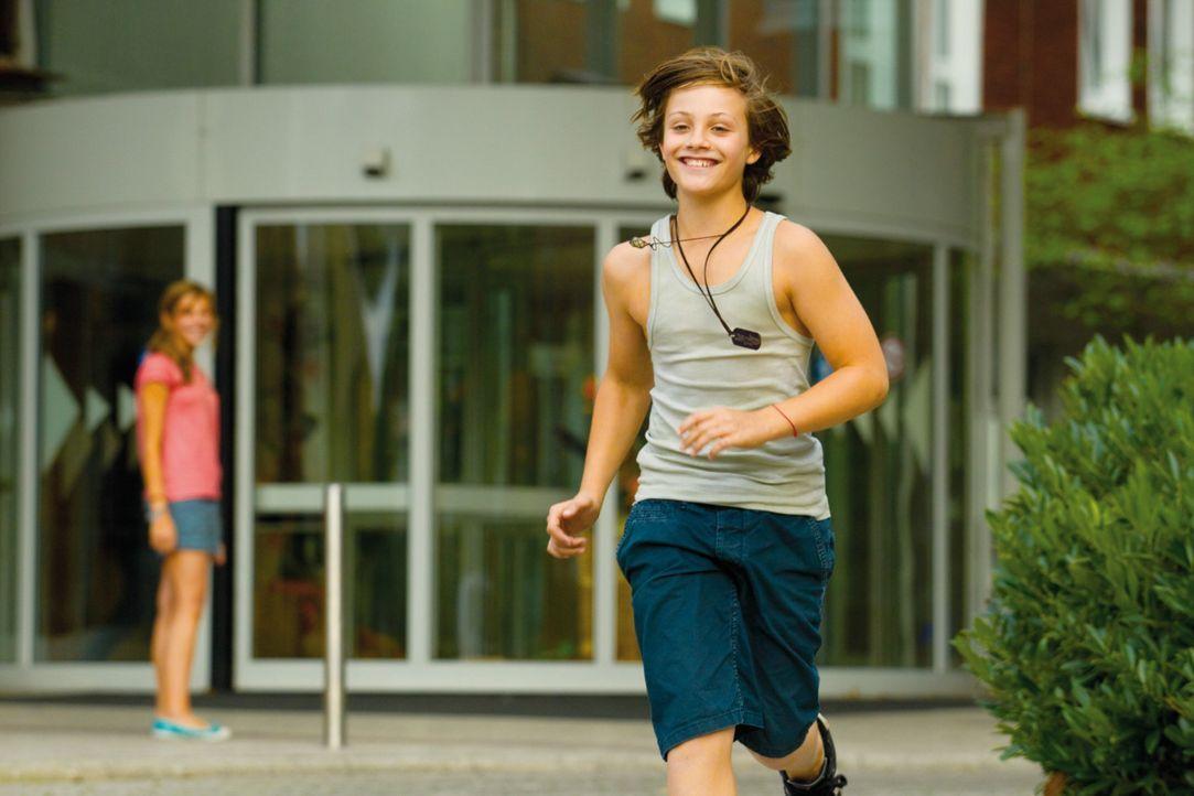 Hannes (Nick Romeo Reimann, vorne) feiert mit seinen Freunden seinen 13. Geburtstag, als der Tag eine überraschende Wendung nimmt ... - Bildquelle: Constantin Film Verleih GmbH.