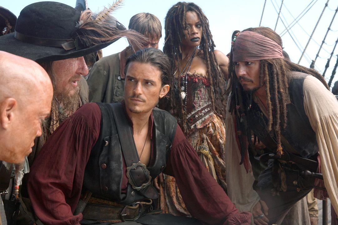 Wollen die neun Piratenlords zusammentrommeln, um mit vereinten Kräften die übermächtige Flotte des Feindes schlagen zu können: Turner (Orlando... - Bildquelle: Disney Enterprises, Inc.  All rights reserved