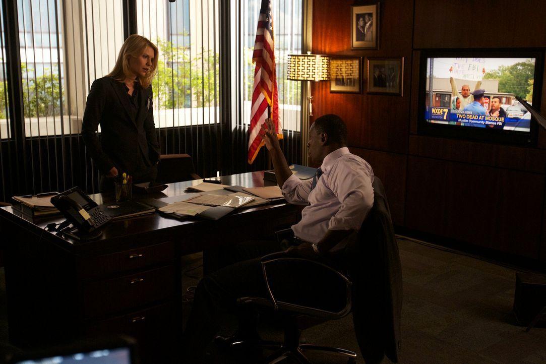 David (David Harewood, r.) legt Carrie (Claire Danes, l.) bei ihren Ermittlungen eine Menge Steine in den Weg ... - Bildquelle: 20th Century Fox International Television