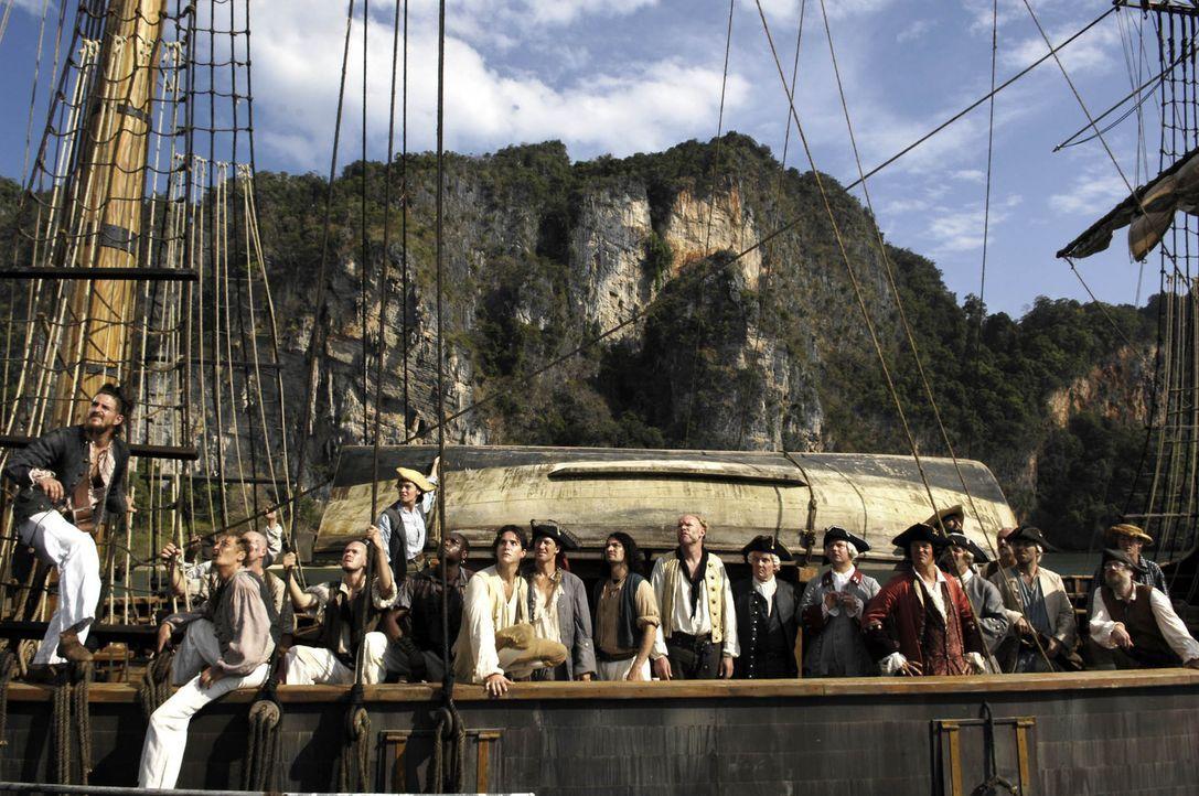 """Der Tag der Ausschiffung ist da! 21 Seeleuten stechen auf der """"Hispaniola"""" in See, um den Schatz des legendären Freibeuters Flint zu heben ... - Bildquelle: ProSieben"""