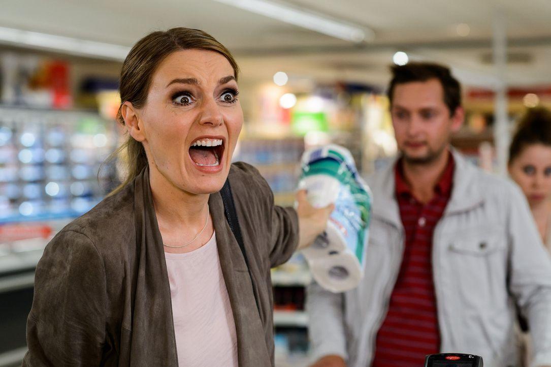 """(4. Staffel) - In """"Knallerfrauen"""" tut Martina Hill (l.) wonach ihr der Sinn steht - hemmungslos und unangepasst ... - Bildquelle: Willi Weber SAT.1"""