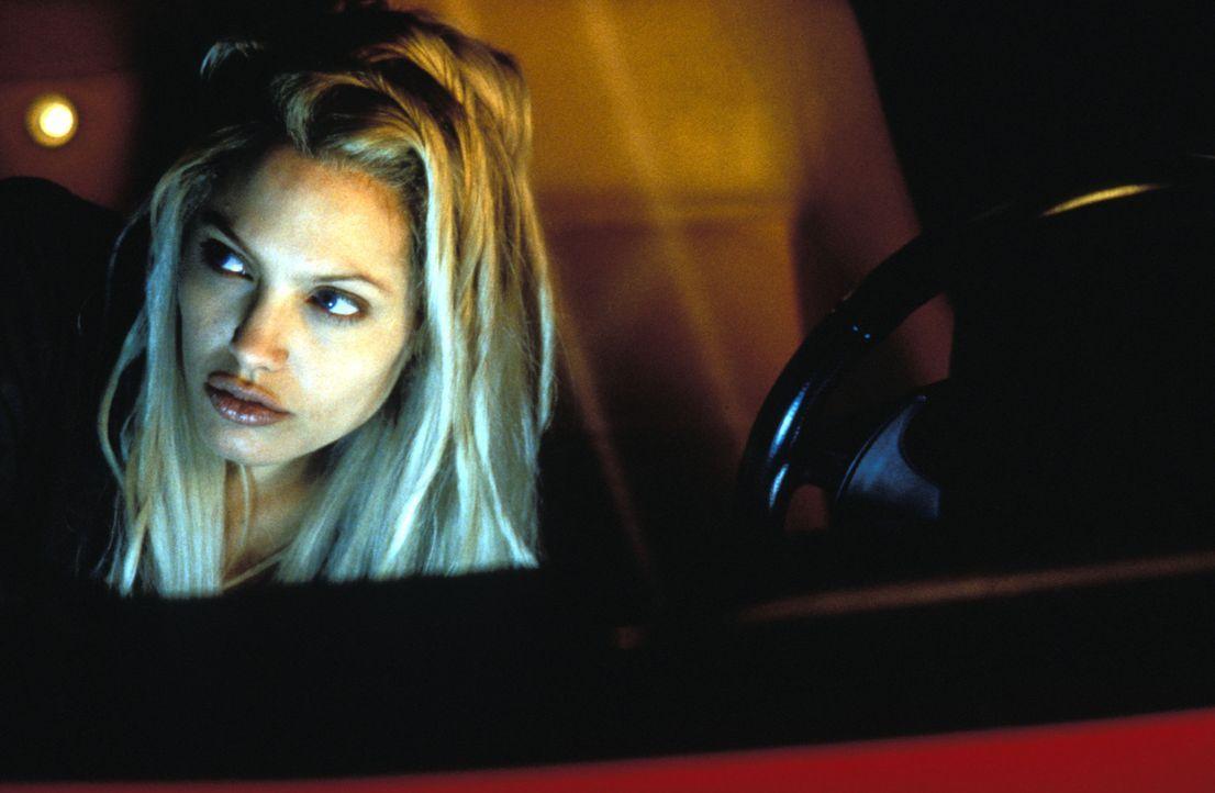 Im gnadenlosen Wettlauf mit der Zeit: Sara (Angelina Jolie) ... - Bildquelle: Merrick Martin Touchstone Pictures