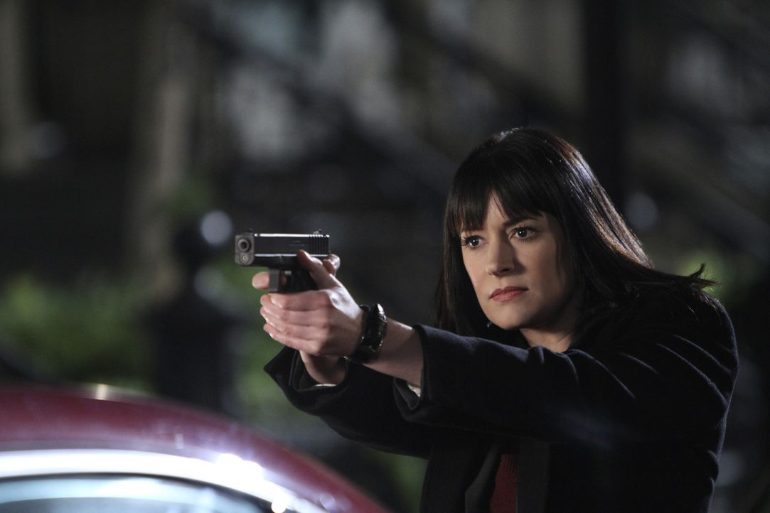 In Washington D.C. werden in einer Nacht mehrere Familien getötet. Die Polizei bittet das BAU-Team um Prentiss (Paget Brewster) um Hilfe ... - Bildquelle: ABC Studios