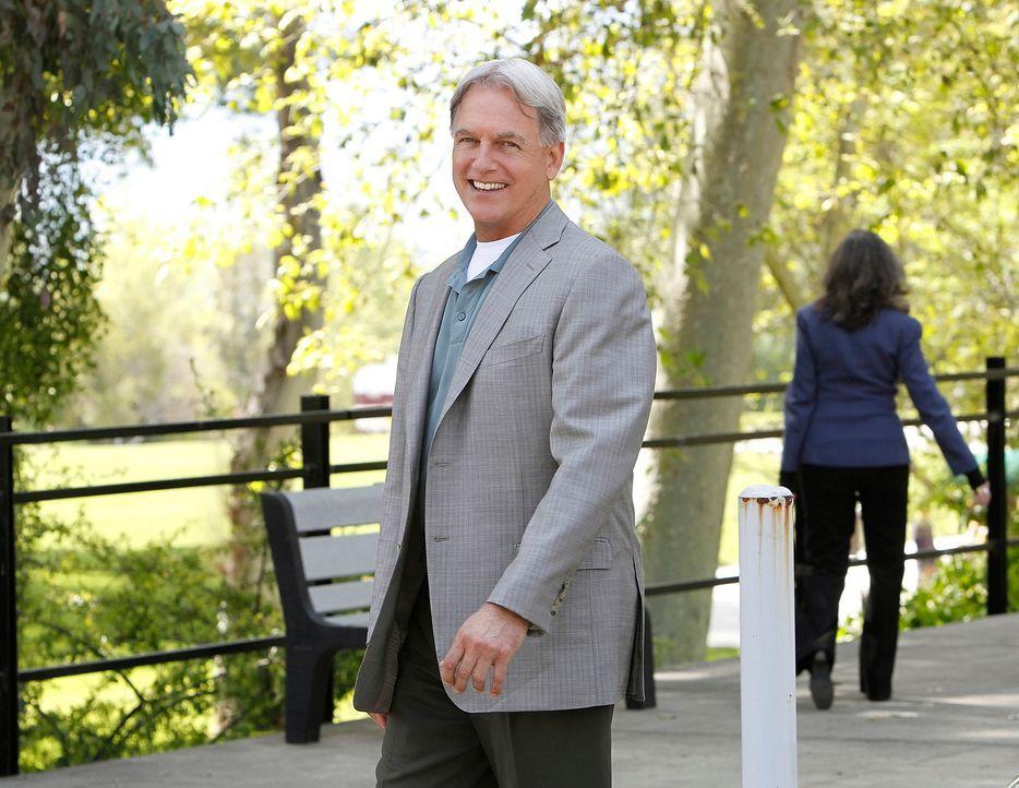 Gemeinsam mit seinem Team ermittelt Gibbs (Mark Harmon) im Fall des Hafenmörders ... - Bildquelle: CBS Television