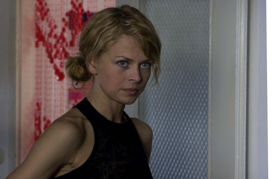 Nick (Isabell Gerschke) glaubt fest daran, dass Sara die drohende Schließung der Boutique verhindern kann ... - Bildquelle: Larry D Horricks ProSieben