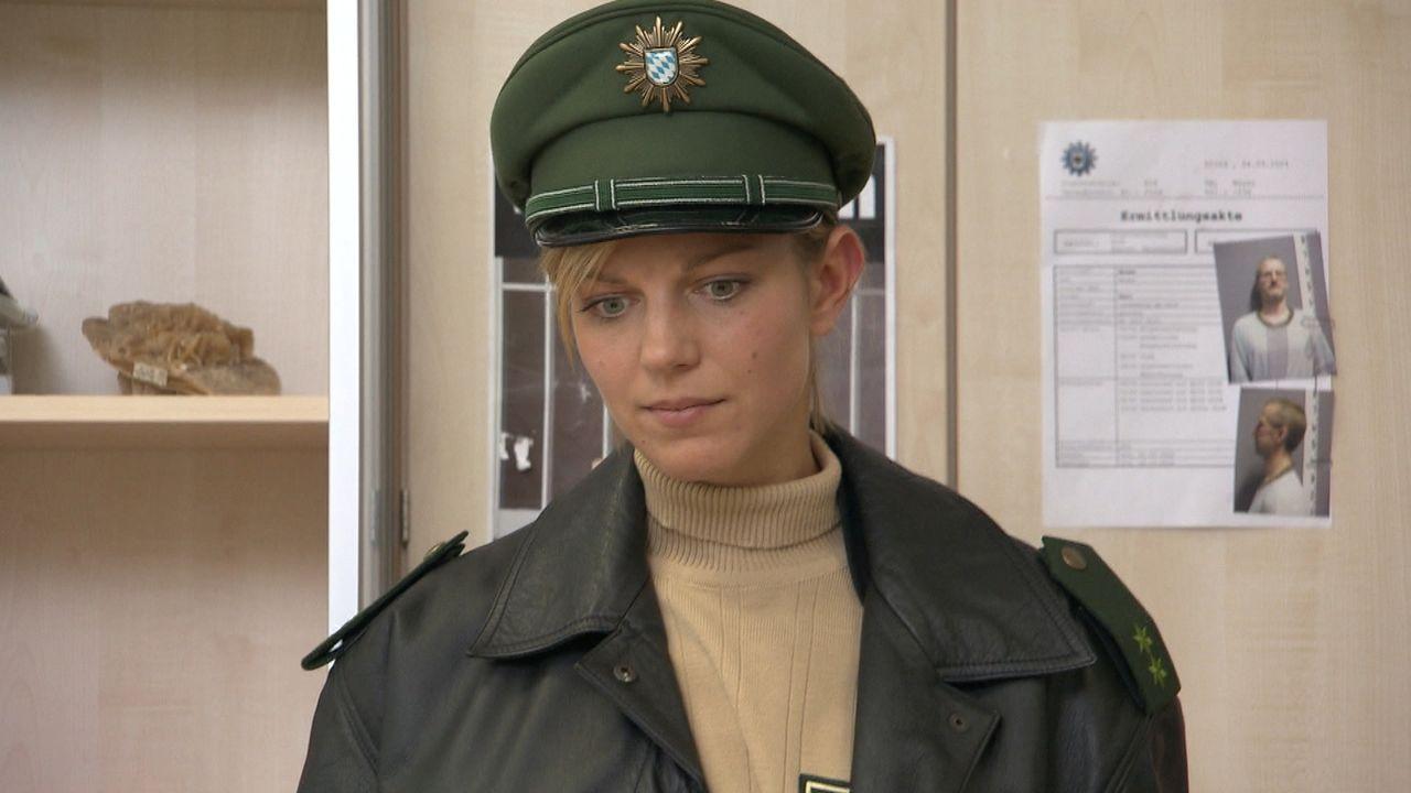 Partizia kommt frisch von der Polizeischule und ist noch voller Ideale. Doch gleich ihr erster Einsatz wird zum Desaster ... - Bildquelle: SAT.1