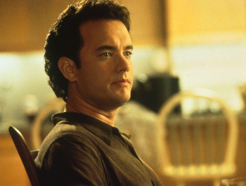 Die Journalistin Annie ist davon überzeugt, dass Sam (Tom Hanks) der Mann ihres Lebens ist, obwohl sie nur seine Stimme im Radio gehört hat ... - Bildquelle: Columbia TriStar
