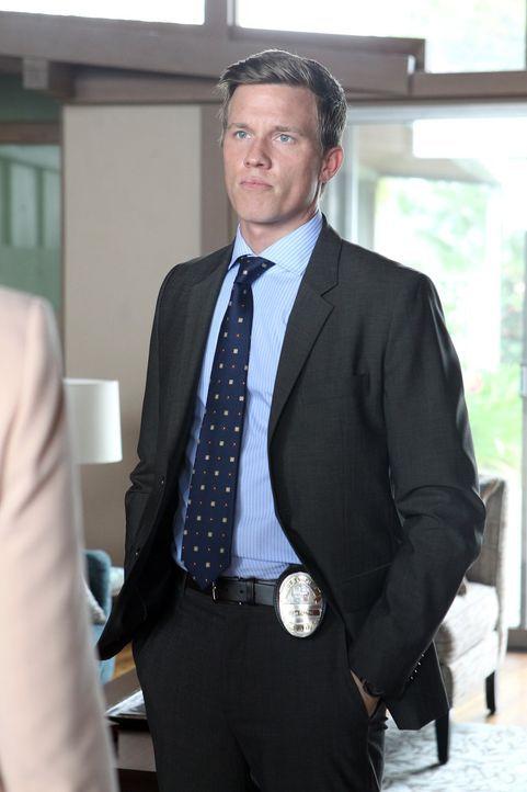 Das TAU-Team glaubt, dass ein Serienkiller sein Unwesen treibt. Trent (Warren Kole) und seine Kollegen ermitteln, um ihn zu fassen, doch das ist lei... - Bildquelle: Warner Bros. Entertainment, Inc.