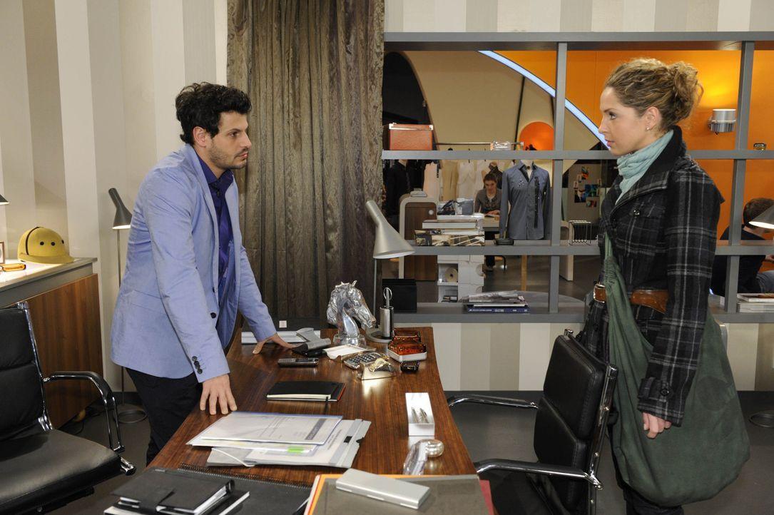 Nina (Maria Wedig, r.) ist schockiert, als Luca (Manuel Cortez, l.) ihr die Schuld an seiner Situation gibt ... - Bildquelle: SAT.1