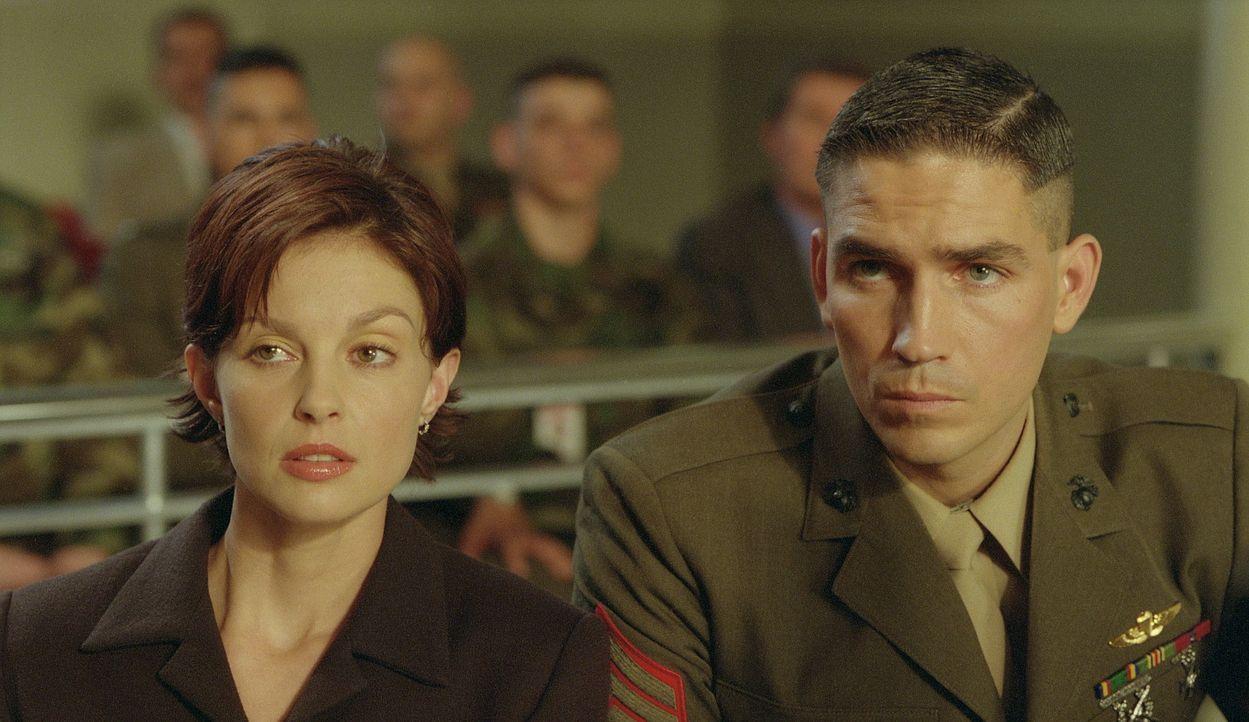 Bald stößt Claire (Ashley Judd, l.) auf Beweise, die nur eine Vermutung zulassen, dass Ehemann Tom (James Caviezel, r.) das Opfer einer Verschwör... - Bildquelle: 20th Century Fox Film Corporation