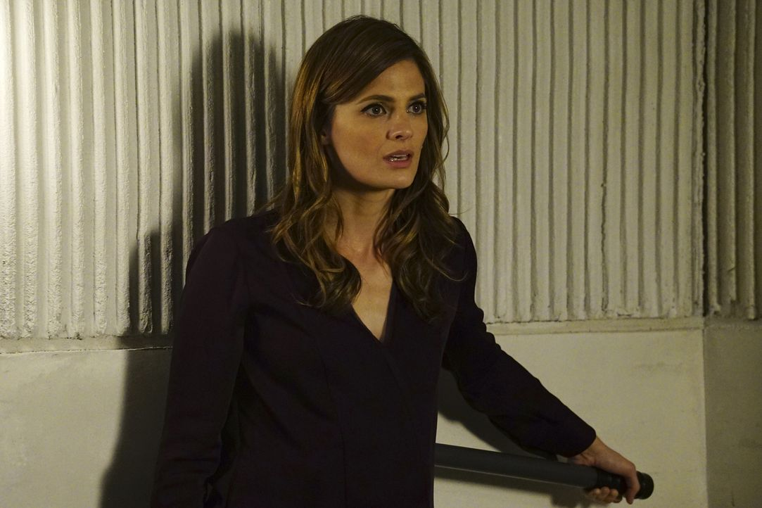 Noch ahnt Beckett (Stana Katic) nicht, dass es viel schwieriger als gedacht wird, den angeblichen Experimentator auszutricksen und ihm zu entkommen... - Bildquelle: Richard Cartwright 2016 American Broadcasting Companies, Inc. All rights reserved.