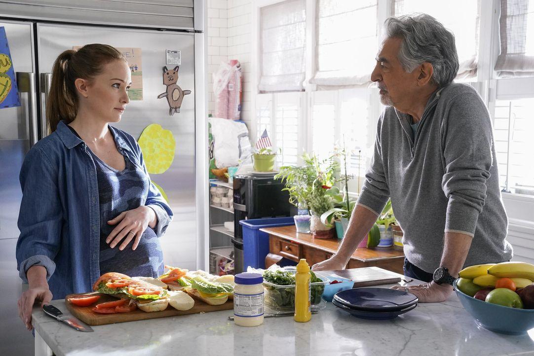 Kristy Simmons (Kelly Frye, l.); David Rossi (Joe Mantegna, r.) - Bildquelle: Cliff Lipson ABC Studios / Cliff Lipson