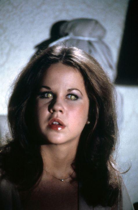 Regan (Linda Blair) - Bildquelle: 1977 Warner Bros. Entertainment Inc. All rights reserved.