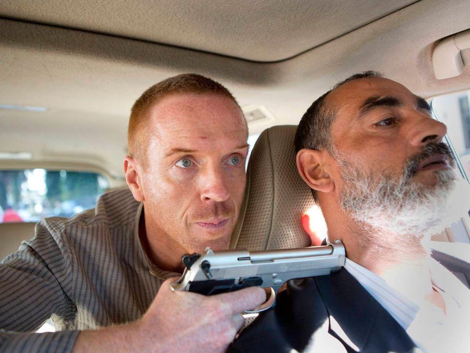 Nachdem Brody (Damian Lewis, l.) Darish Akbari getötet hat, versucht er zu fliehen. Doch wird es ihm gelingen das Land lebend zu verlassen? - Bildquelle: 2013 Twentieth Century Fox Film Corporation. All rights reserved.
