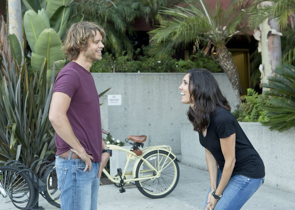Deeks: Du bist wie Wonder Woman. - Bildquelle: CBS Studios Inc. All Rights Reserved.