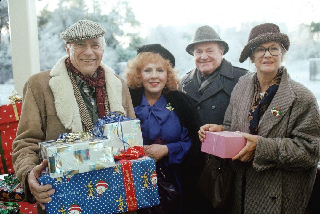 (v.l.n.r.) Clark (John Randolph); Francis (Doris Roberts); Art (E.G. Marshall); Nora (Diane Ladd) - Bildquelle: 1989 Warner Bros. Entertainment Inc. All rights reserved.