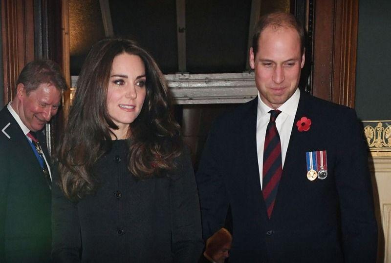 Erneute Trennung2007 trennten sich William und Kate erneut.Es wurde von eini... - Bildquelle: dpa - Picture Alliance